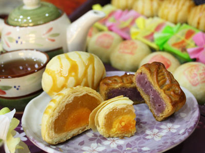 Get 20% off Phoenix Cake Gift Set at Beautiful Life Bakery (Moon Festival Gift Selection)